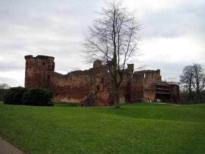 Bothwell Castle from the carpark