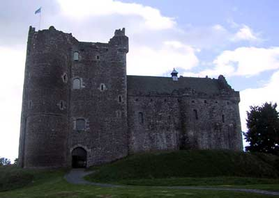 Northern approach to Doune Castle